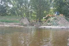 2011.08.22 Zniszczony wał przeciwpowodziowy