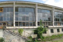 Zrujnowany basen pływacki na terenie dawnego Ośrodka Sportu w Mirkowie, Konstancin-Jeziorna