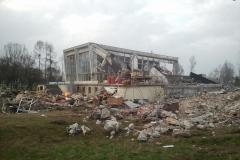 2013.04 Rozbiórka basenu w Mirkowie